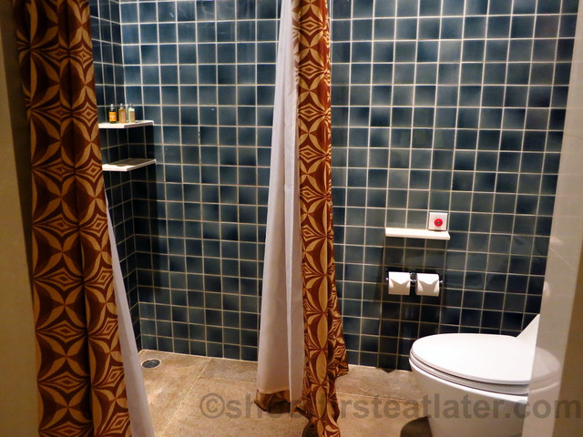 Shangri-La's Boracay Resort & Spa- deluxe room-002