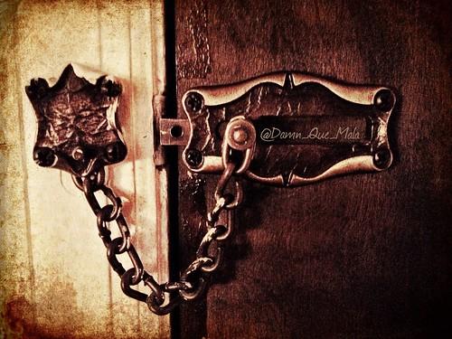 Slide to Unlock by damn_que_mala