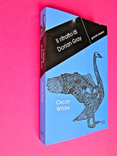 Oscar Wilde, Il ritratto di Dorian Gray.,BUR 2012. Art Director: Francesca Leoneschi / theWorldofDOT; imm. di cop.: @Kimi Recar. Dorso e copertina (part.), 2