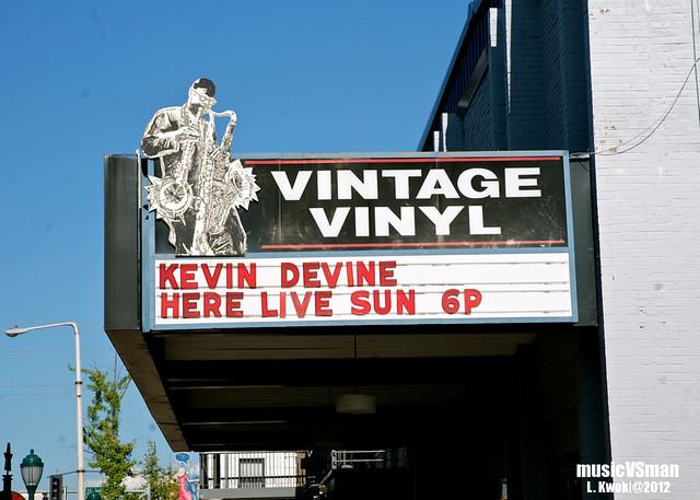 Kevin Devine @ Vintage Vinyl