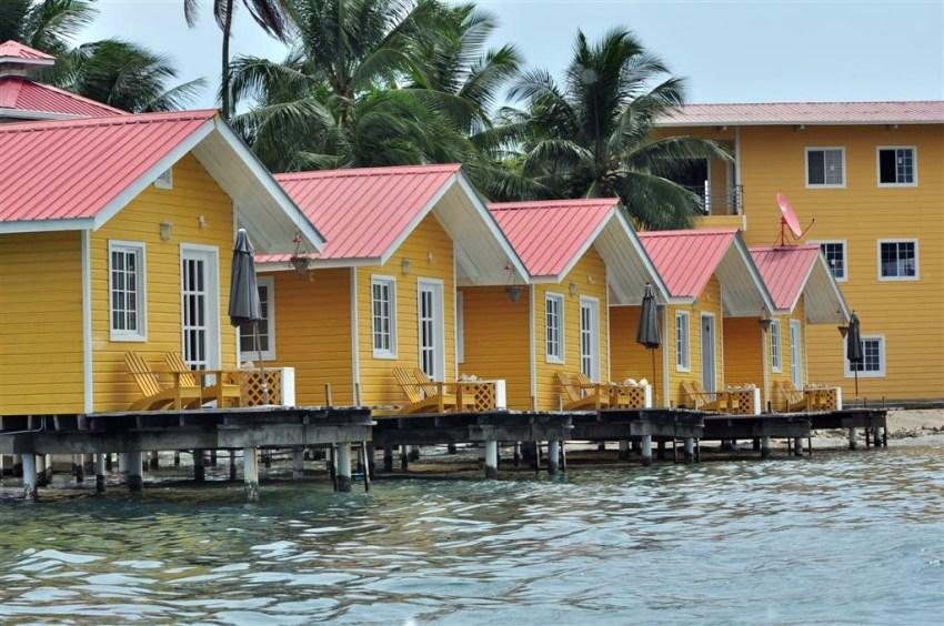 Casitas residenciales en Isla Solarte, en frente del pueblo de Bocas Bocas del Toro, escondido destino vírgen en Panamá - 7598211194 0d67c24e43 o - Bocas del Toro, escondido destino vírgen en Panamá