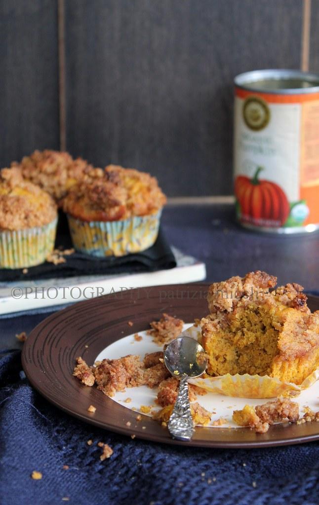 Muffins alla zucca con streusel e amaretti