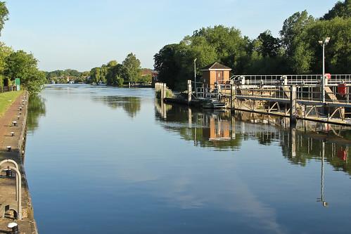 Bell Weir, Thames