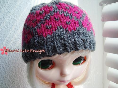 Hearts Queen hat III