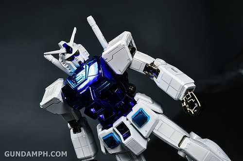 ANA RX-78-2 Gundam HG 144 G30th Limited Kit  OOTB Unboxing Review (64)