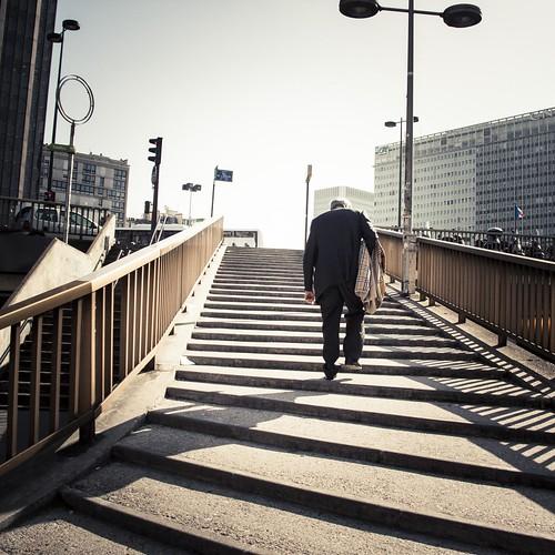 Urban Mythologies : The Invisible Weight of Sisyphus (Montparnasse, Paris) - Photo : Gilderic