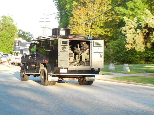virginia beach barricaded person 4-2012 (3)