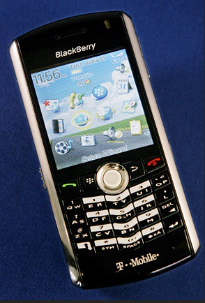 4. BlackBerry Pearl (2006)