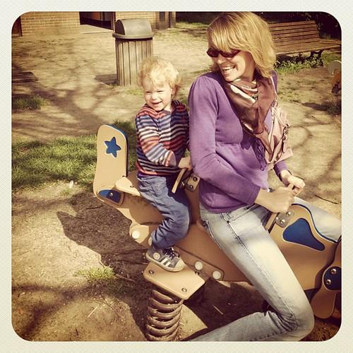 175/366: samen met tante Fien naar tante Julie vliegen