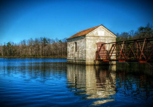 Lake Hut