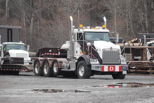Gradex Construction quad-axle Kenworth T800 heavy hauler truck Nepean (Ottawa), Ontario Canada 03252012 ©Ian A. McCord