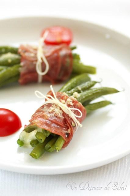 Fagottini ai fagiolini, mozzarella e salame felino