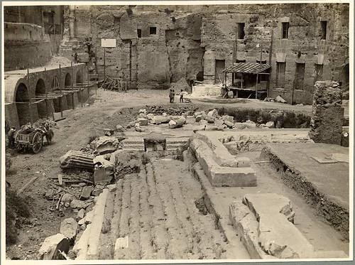 ROMA ARCHEOLOGIA: Il Foro di Augusto e tempio a Marte Vendicatore (Ultore), Via dell' Impero (1928-31). by Martin G. Conde