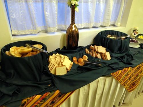 Breakfast buffet (bread)