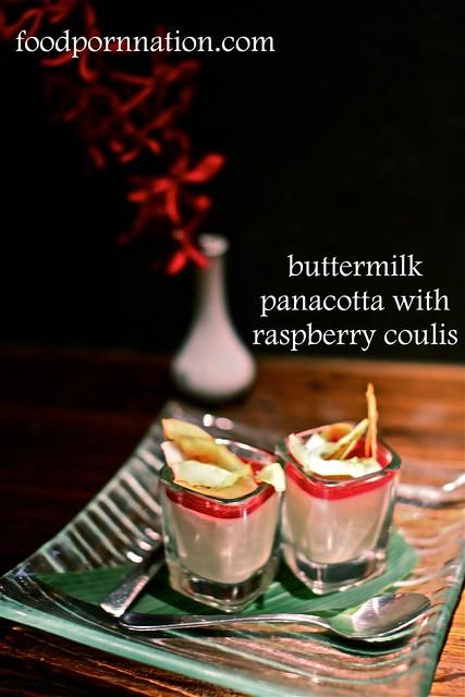 buttermilk pannacotta w raspberry coulis
