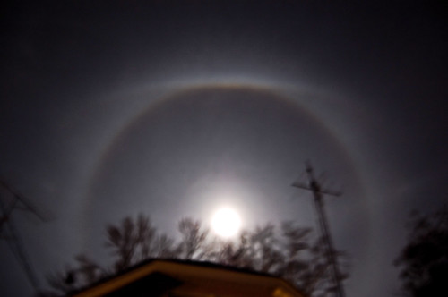 ice ring around moon from Sandy moisture (1)
