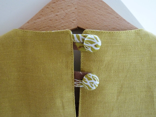 Forest dress for Frida - button detail