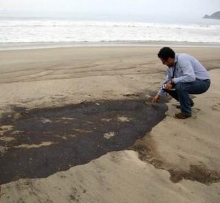 Negligencia-en-derrame-de-petróleo-en-Oaxaca-México-346x320[1]