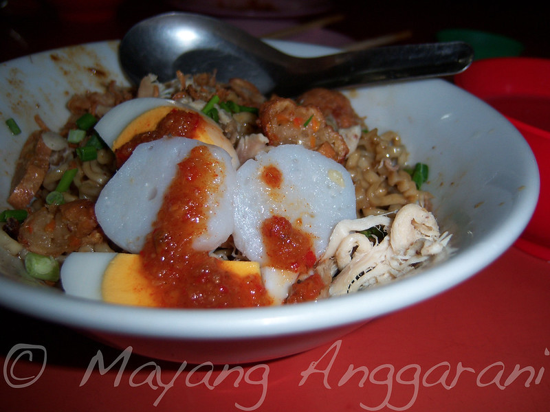 Iconic Medan style noodle and (fried) dumplings (filled with shrimp)