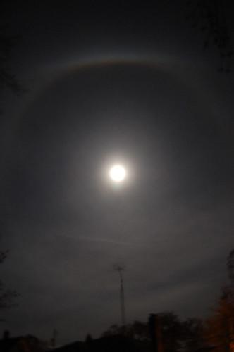ice ring around moon from Sandy moisture (6)