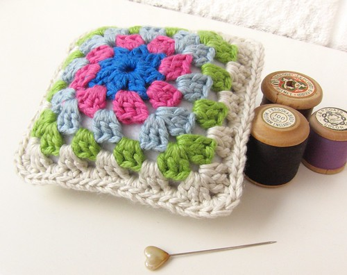 A new crochet pincushion