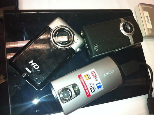 Sony Bloggie Live, RCA HD, Flip Video - Camcorder Comparison by zennie62