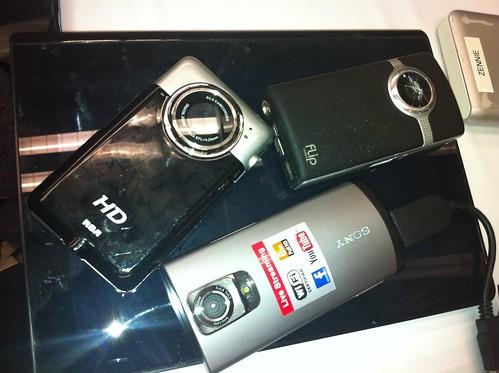 Sony Bloggie Live, RCA HD, Flip Video - Camcorder Comparison by zennie62