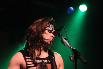 Steel Panther Commodore 7D-8883