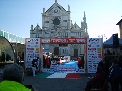 "foto  ""Firenze Marathon 2011- L'Arrivo - The finish line"" by unpodimondo - Flickr"
