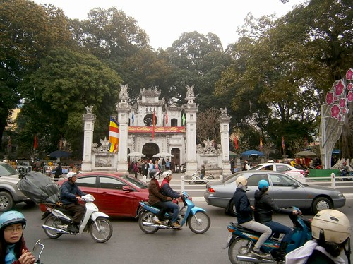 Old Temple and traffic