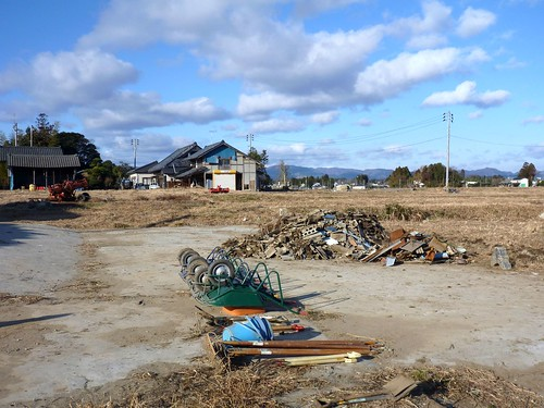 原町区雫字野馬道, 福島県南相馬市でボランティア Volunteer at Minamisoma city, Fukushima pref. Affected by the Tsunami of Earthquake and Fukushima Daiichi Nuclear Accident