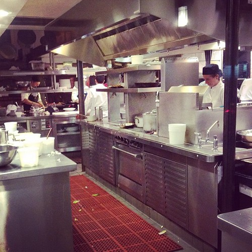 Kitchen staff humming #sf