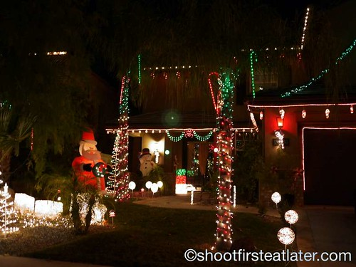 Houses with Christmas Lighting in California-9
