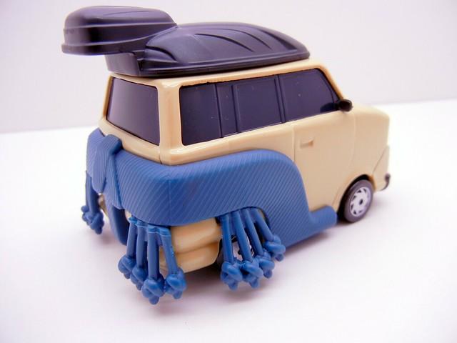 DISNEY CARS 2 OVERSIZED PINION TANAKA (3)