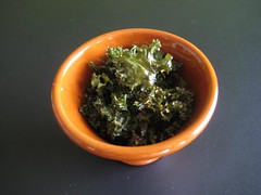 Oven-roasted kale with olive oil and spices