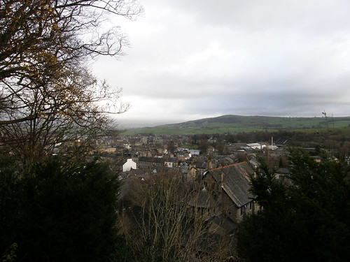 Over the auld grey town to Benson Knott
