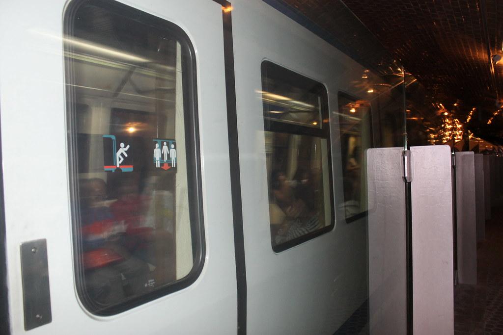 El metro, a su paso