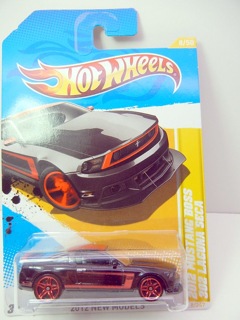 HOT WHEELS 2012 MUSTANG BOSS 302 LAGUNA SECA (1)