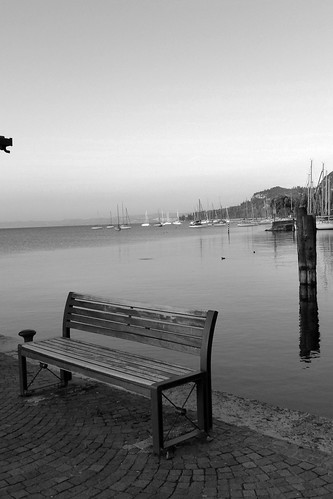 Empty bench in Garda