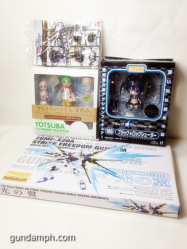 MG SF Wings of light Yotsuba Summer Vacation Black Rock Shooter Nendo (1)