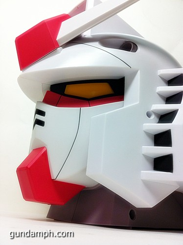 BIG RX-78-2 Gundam Head Coin Bank 30th Anniversary Edition 7-11 (31)