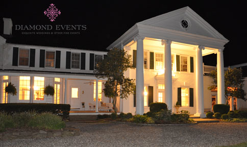 Historic Whitehall Manor Wedding during a night wedding