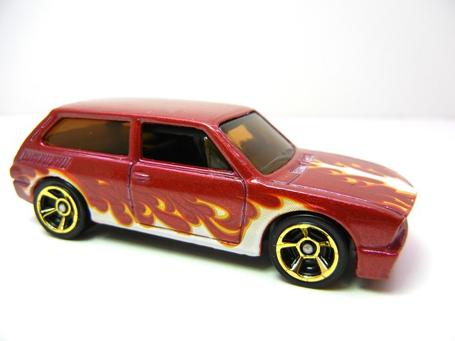 hot wheels volkswagen brasilia maroon (2)