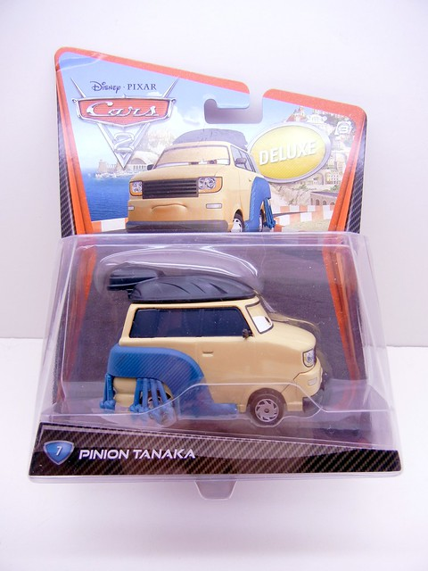 DISNEY CARS 2 OVERSIZED PINION TANAKA (1)