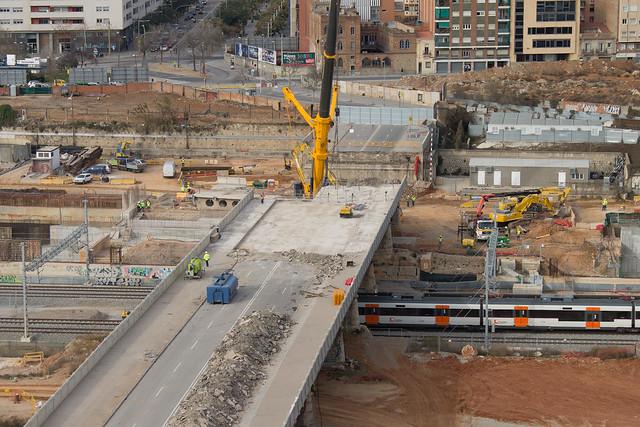 Estado del desmontaje del viejo puente del trabajo - 8-02-12