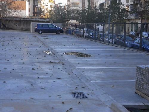 El aparcamiento de coches del nuevo conservatorio.