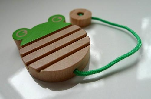 frog noise maker