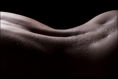 b,w,back,female,sexy,wet,black,and,white-c8f46be7013b8d34ca4e85d8835658b8_h by cristinadumitrescu2002
