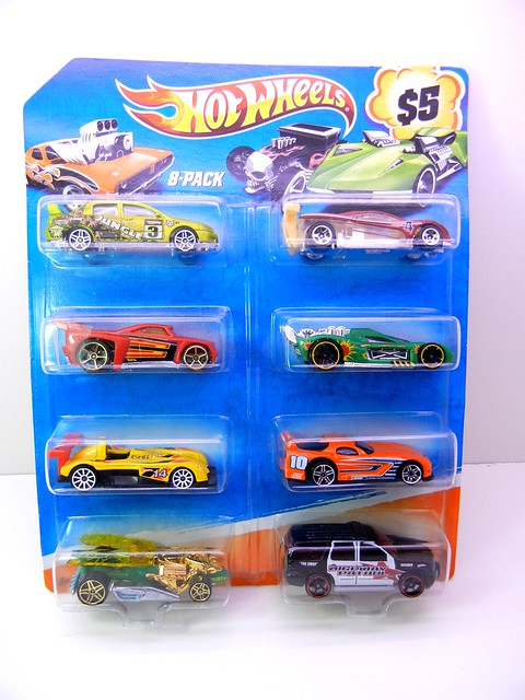 hot wheels holiday 8 packs (3)