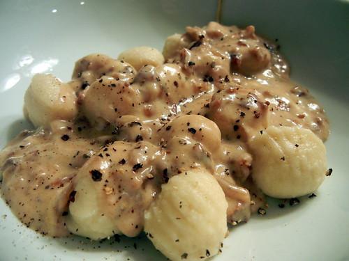 Gnocchi with Gorgonzola and Walnut Sauce